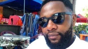 Le réalisateur congolais, Tshoper Kabambi.