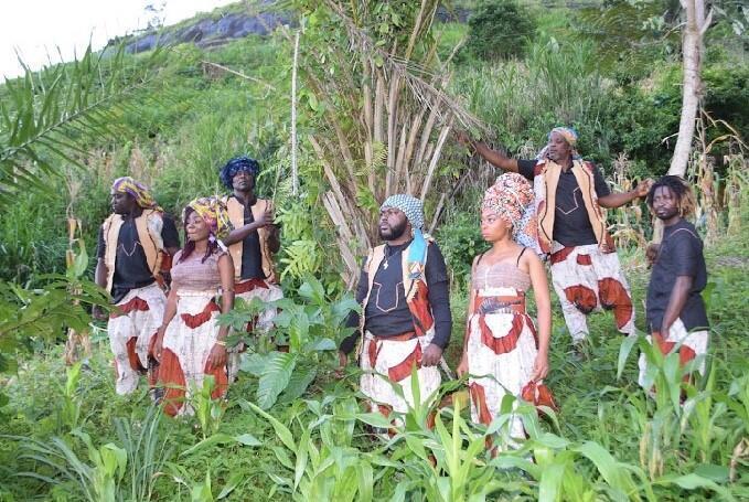« Nomades Bantu Project » met à l'honneur l'Afrique et en particulier le Cameroun, le Congo-Brazzaville, la Cap-Vert, l'Angola et la Guinée-Bissau. Un spectacle dans le cadre de « L'Afrique au Théâtre de la Ville de Paris ». © Théâtre de la Ville