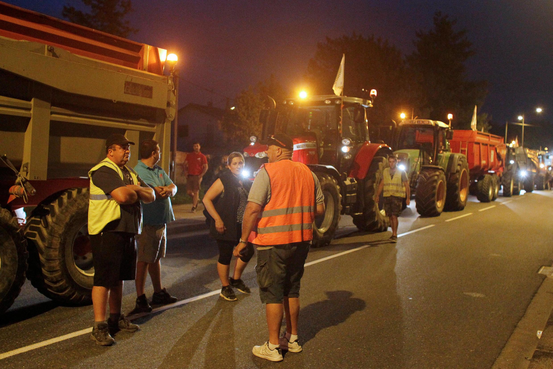 2018年6月10日法國農業經營者用拖拉機包圍了里昂附近一家道達爾公司煉油廠和油庫,抗議道達爾集團麥德生物燃料提煉廠進口棕櫚油的決定。