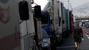 Les routiers grecs ont décidé de reprendre le volant dès lundi 2 août 2010.