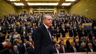 L'une des assemblées de muhtar dans le palais présentiel. Recep Tayyip Erdogan y fait son show.