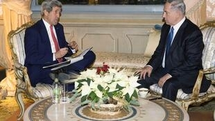 Le secrétaire d'Etat américain John Kerry et le Premier ministre israélien Benyamin Netanyahu à Rome, le 15 décembre 2014.