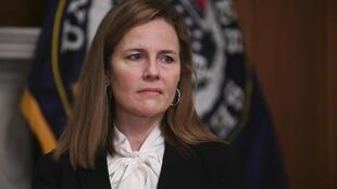 a  juíza  Amy Coney Barrett