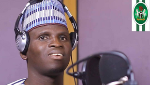 Dauda Kahutu Rarara Shaharerren mawakin 'yan siyasar Najeriya musamman shugan kasa Muhammadu Buhari da jam'iyyan APC