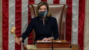 美國國會眾議院議長佩洛西宣布特朗普彈劾案通過