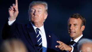 Os presidentes americano, Donald Trump, e francês, Emmanuel Macron, na cúpula de Biarritz neste domingo, 25 de agosto de 2019.