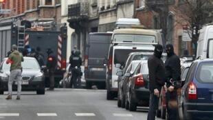 صلاح عبدالسلام روز 18 مارس در منطقه مولنبک در بروکسل دستگیر شد.