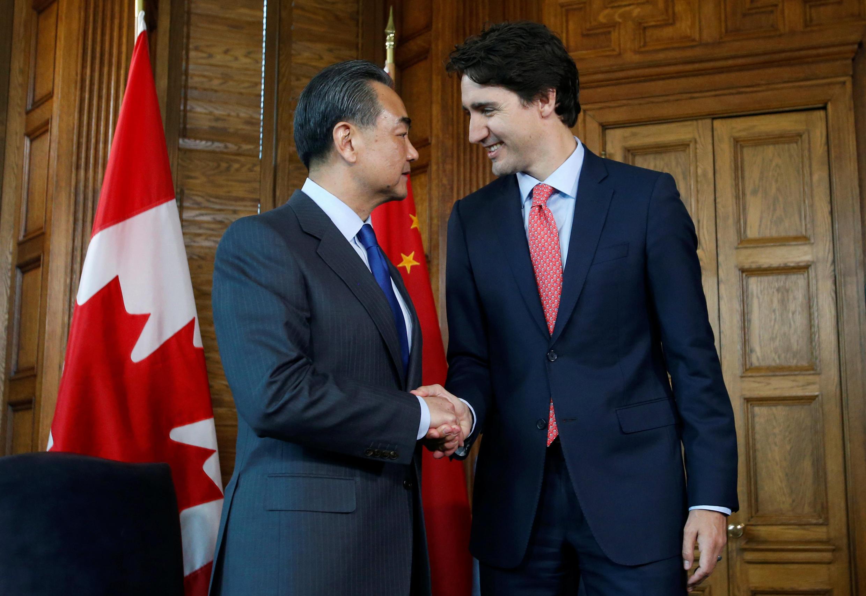資料圖片:2016年6月1日中國外長王毅在渥太華與加拿大總理杜魯多會談。