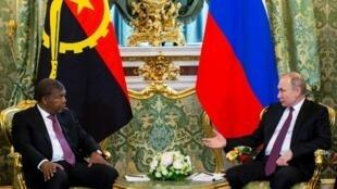 João Lourenço, presidente angolano, recebido pelo seu homólogo russo, Vladimir Putin, em Moscovo a 4 de Abril de 2019.
