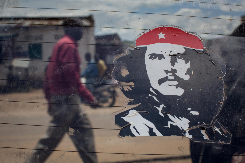 En 1965, le Che débarque au Congo. (Photo d'illustration: autocollant sur un taxi à Luvungi, le 25 mars 2015).