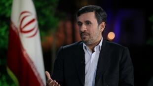 محمود احمدی نژاد، رئیس جمهوری اسلامی ایران در گفتگویی با شبکه تلویزیونی الجزیره