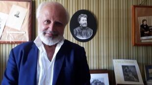 Jorge Chaminé en la habitación donde murió Georges Bizet.