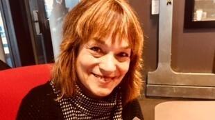 La romancière israélienne Rachel Shalita en studio à RFI (janvier 2019).