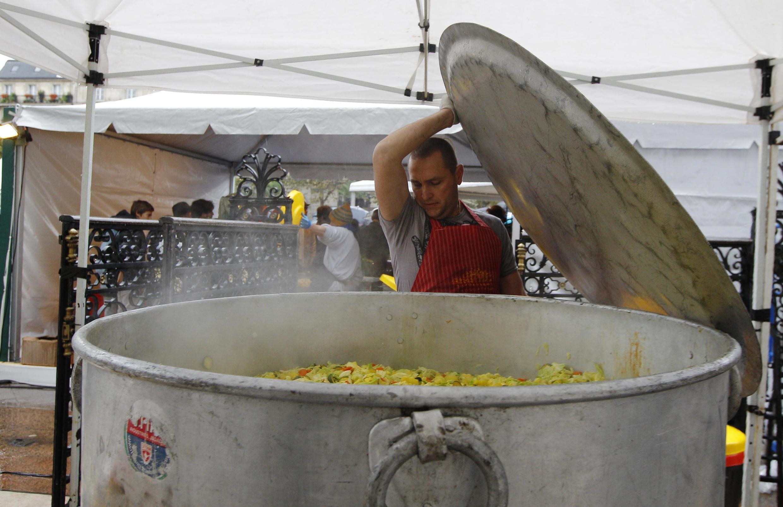 Em 2012, Disco Soupe serviu 5 mil pratos diante do Hotel de Ville, em Paris