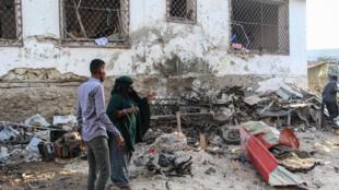 El hotel Afrik en Mogadiscio, la capital de Somalia, el 1 de febrero de 2021, tras un ataque suicida