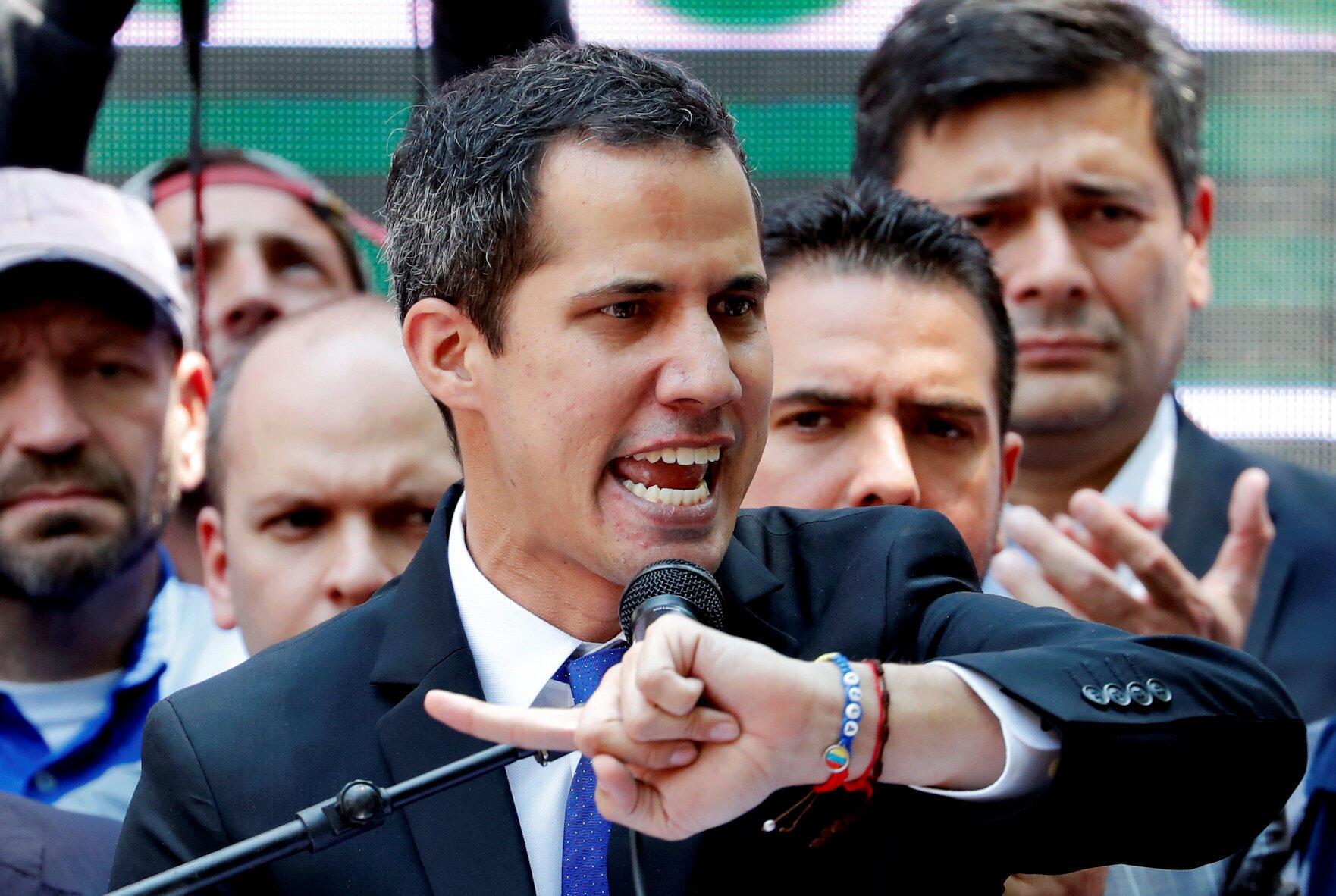 Juan Guaido da wasu kasashen duniya da suka hada da Amurke ke kallo a matsayin shugaban kasar Venezuela