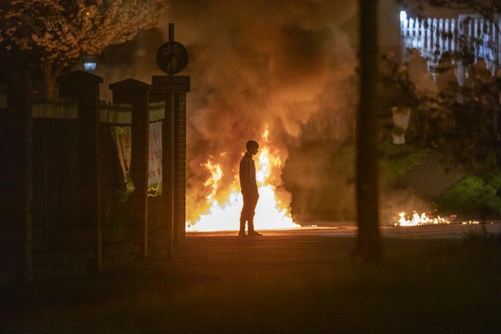 Troisième jour d'émeutes en Irlande du Nord