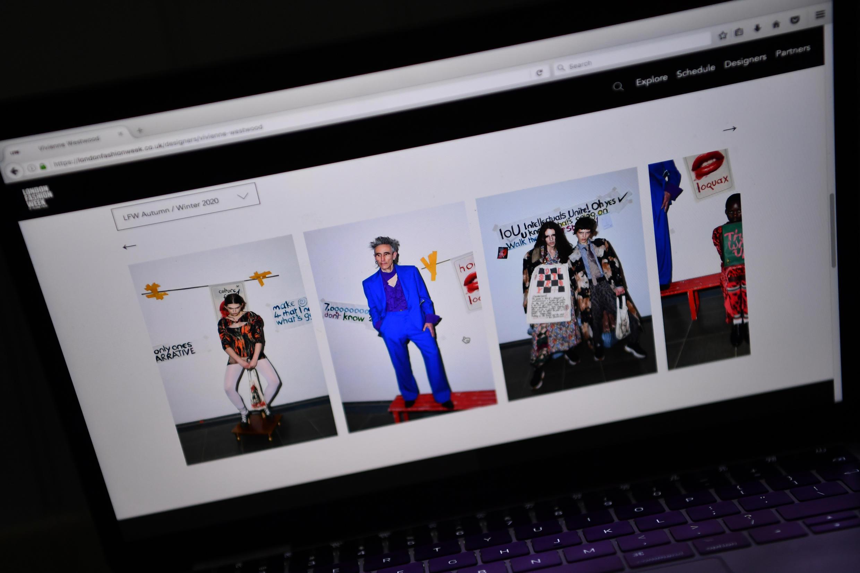 Catalogue Thu/Đông 2021 của nhà thiết kế thời trang Anh Quốc Vivienne Westwood, được giới thiệu trên website Tuần lễ Thời trang Luân Đôn (London Fashion Week), Luân Đôn, Anh, ngày 12/06/2020