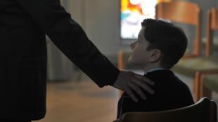 Scène du film « Grâce à Dieu », de François Ozon.