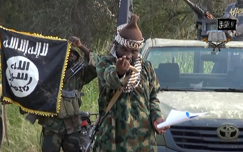 Imagen sacada de un video el 2 de octubre de 2014, difundido por le grupo  yihadista Boko Haram, de Abubakar Shekau en un lugar indeterminado, en Nigeria