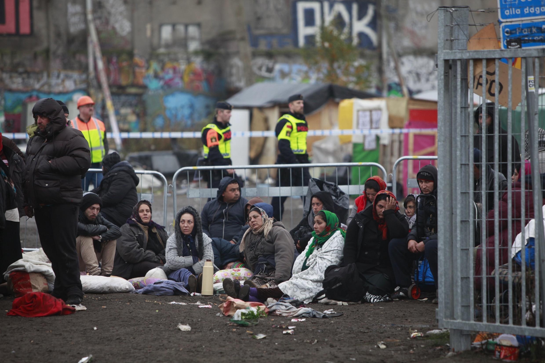 Evacuação de migrantes de um campo de Malmö, Suécia, a 3 Novembro de 2015.