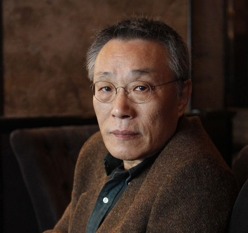 Hwang Sok-Yong, écrivain sud-coréen.