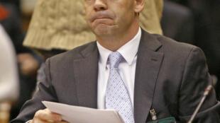Le diplomate canadien Richard Colvin témoigne devant la commission spéciale de la Chambre des Communes, à Ottawa, le 18 novembre  2009.