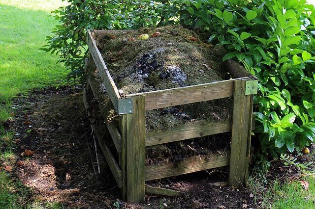 Un appareil à compost.