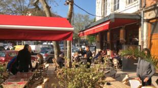 Le café de la soierie dans le quartier la Croix-Rousse à Lyon.