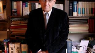 O historiador e acadêmico francês Max Gallo escreveu mais de 100 obras