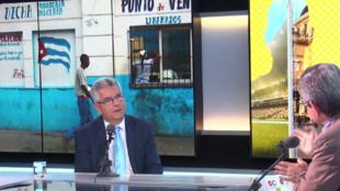 El embajador de Cuba en Francia, Elio Eduardo Rodríguez en Escala en París, 24 de octubre 2018.