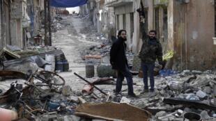 Combatentes do Exército Sírio Livre, neste domingo 19 de janeiro de 2014.