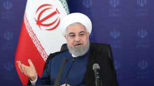 El presidente de Irán, Hasan Rohani, preside una reunión de gabinete en Teherán el 23 de mayo de 2020