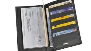 Les paiements par chèques bancaires se font de plus en plus rares en Europe, supplantés par les cartes de crédit, et faciles à frauder.