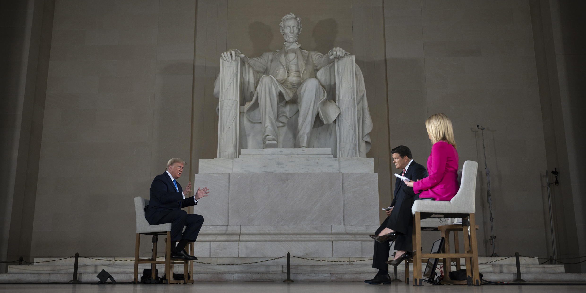 US President Donald Trump went to the Lincoln Memorial to relaunch his campaign and call for an end to the pandemic lockdown