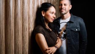 Rodrigo et Gabriela, artistes mexicains jouent de la guitare comme des dieux...