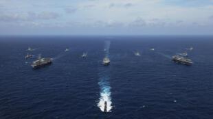 Đội hình chiến hạm Mỹ, Úc, Ấn Độ, Nhật Bản, Singapore nhân cuốc tập trận Malabar năm 2007. Ảnh tư liệu chụp ngày 05/09/2007.
