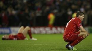 Steven Gerrard dans l'équipe son équipe de Liverpool, lors du match contre FC Basel, le 9 décembre 2014.