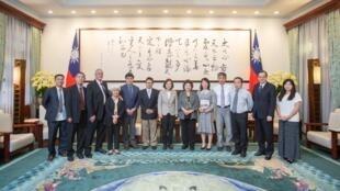 台湾总统蔡英文会见海外中国民主人士代表团,2019年6月3日。