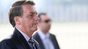 """""""No necesitamos personas de afuera ofreciendo su opinión sobre la salud aquí"""", dijo Bolsonaro, refiriéndose a la OMS."""