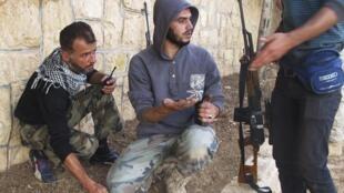 Rebeldes preparam ataque nos arredores de Aleppo.