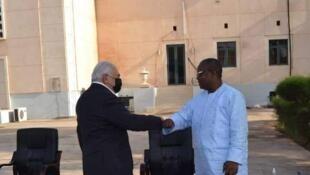 Dominique Strauss Kahn recebido a 16 de Janeiro de 2021 em Bissau pelo presidente Umaro Sissoco Embaló.
