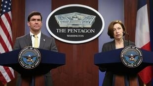 法国国防部长帕利与美国国防部长埃斯珀