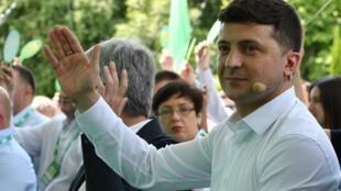 На праздник «Слуги народа» приехал и президент Украины Владимир Зеленский.