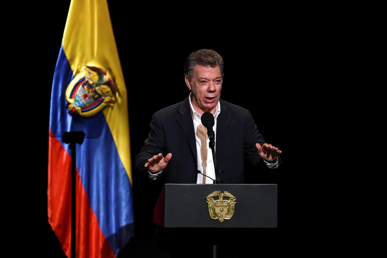 Presidente colombiano Juan Manuel Santos prometeu avaliar o futuro do processo.