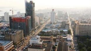 Vista de Maputo, capital de Moçambique, que vive situação de crise económica