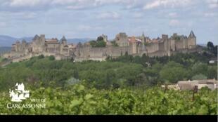 卡尔卡松中世纪古城属于法国参观人数最多古迹之一