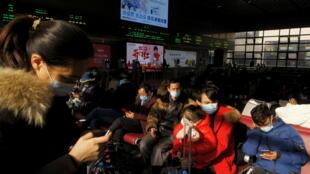 La Chine célèbre l'année du bœuf sous le signe du Covid-19