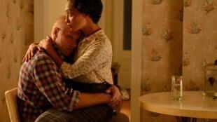 Richard et Mildred Loving sont interprétés par Joel Edgerton et Ruth Negga qui est en lice pour ce rôle pour l'Oscar de la meilleure actrice, décerné le 26 février prochain.