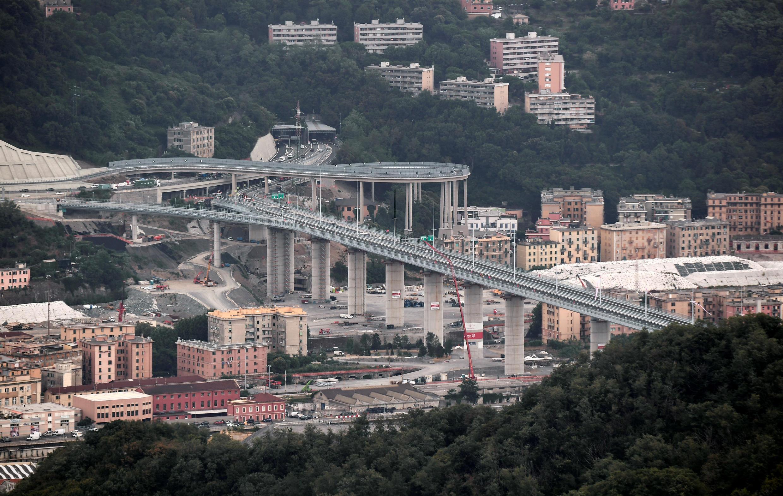 Una vista general muestra el nuevo puente de Génova antes de su inauguración oficial, el 3 de agosto de 2020.